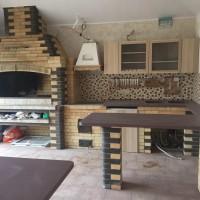 Летняя кухня с мангалом, казаном, мойкой, посудомоечной машиной и барной стойкой